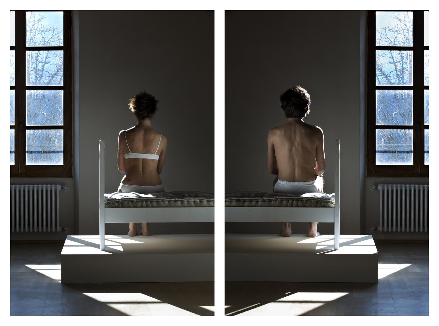 MAX ZARRI Talea-47 2013 Letto, sedie, stampa fotografica ai pigmenti, su carta cotone Dimensioni Ambientali
